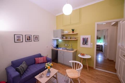 Garden-studio in a mansion-Athens-Chalandri/center