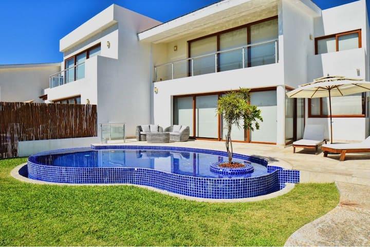 Villa con Alberca Privada a unos Pasos del Mar