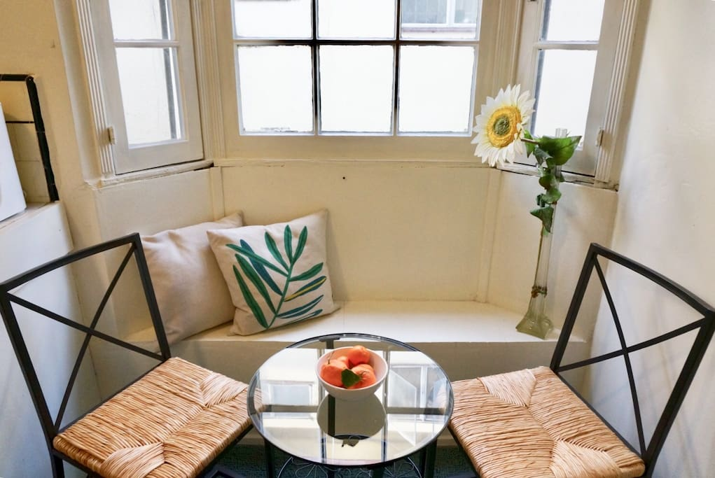 Sunny, breakfast nook- perfect for enjoying your morning coffee!