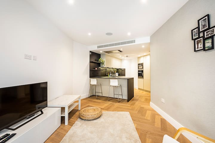***Incredible Two Bed Apartment In Fulham***