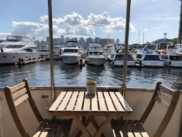 Liveaboard Boat Bliss ⚓