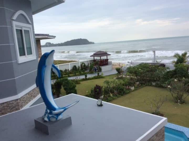 Briya Beachfront Residence-Superior