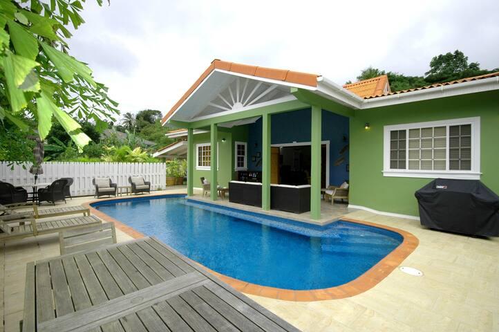 We Casa villa