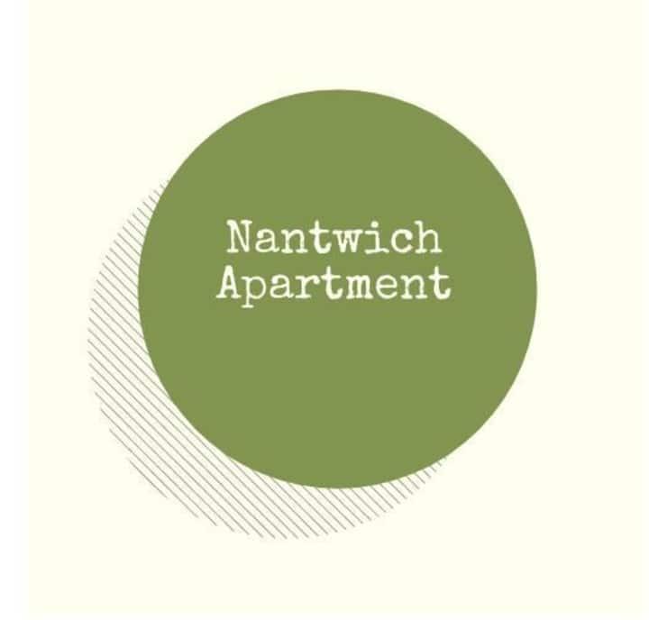 Nantwich Apartment, 2 double ensuite bedrooms & kitchenette