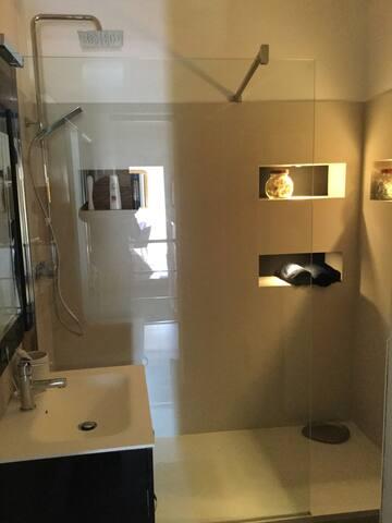 Douche italienne, chambre 2