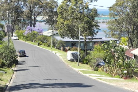 Cosy Coastal  Apartment at Moruya Heads