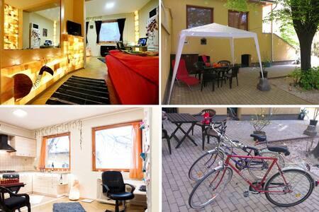 Saltbrick apartment A/C +2 bikes - Budapest - Wohnung