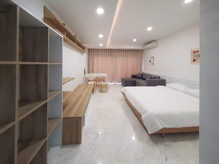 Cozy apartment large room in urban area near BTS