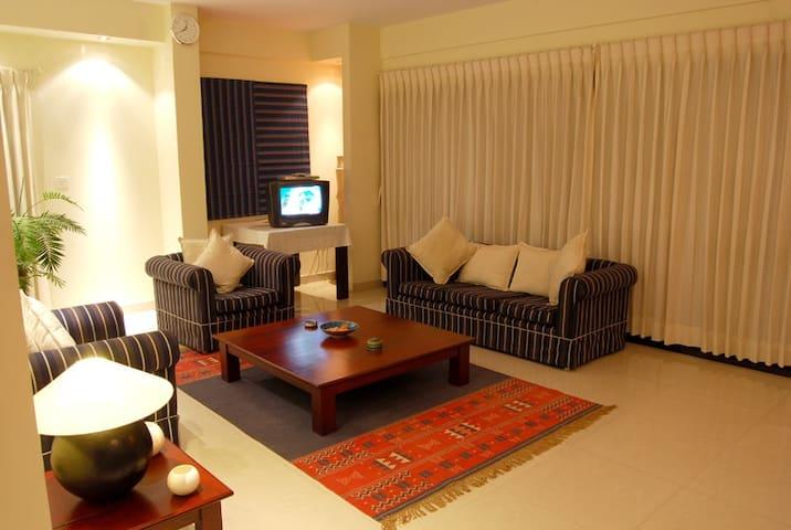 Classic 2-Bed Apartment on MG Road in Bengaluru - Bengaluru - Apartment