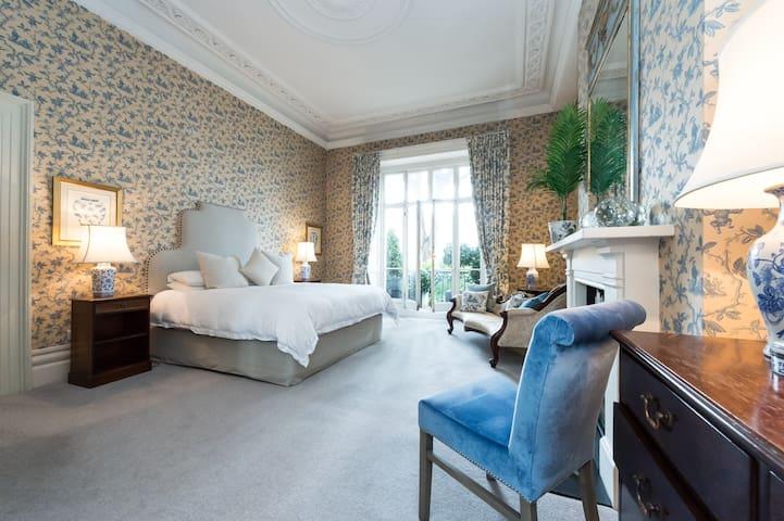 South Kensington ,Sophisticated Apartment