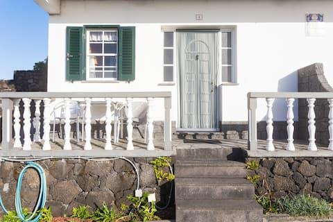 Sea-view Apartment (#1)