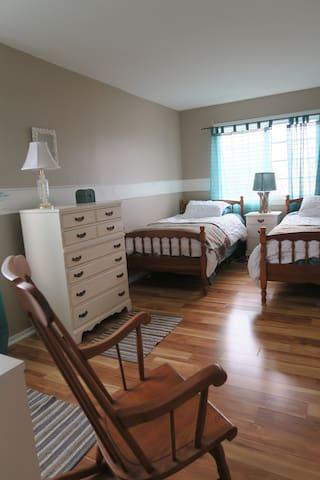 Beach House Retreats (upstairs artist) - Newport Beach - Bed & Breakfast