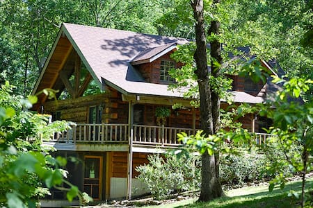 Real Log Home - Tall Pines Estate - Blue Eye - Maison