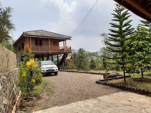 Cozy Villa in Sukabumi + Bonfire