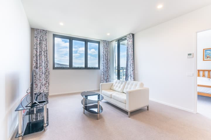 1BR apartment in hipster Braddon