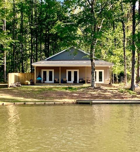 Creekside Cottage @ Lake Martin-Pet Friendly
