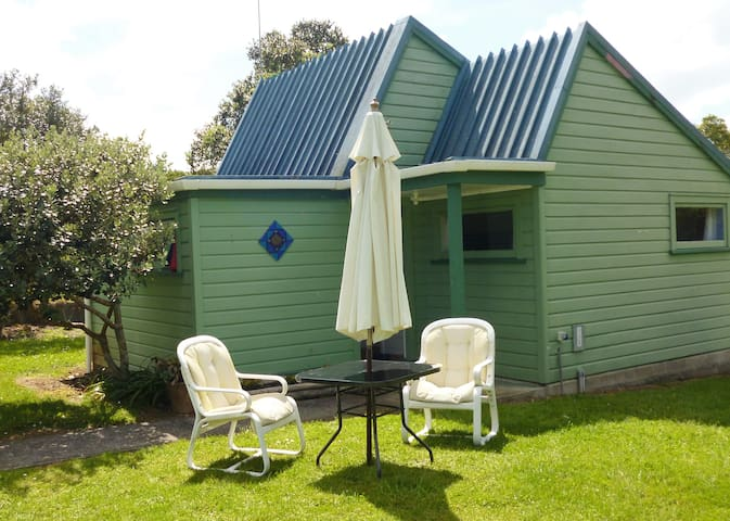 Country Cottage - Close to Beach and River
