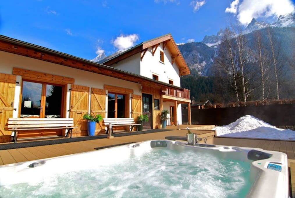 Panoramic views from our 10-12 person Jacuzzi hot tub