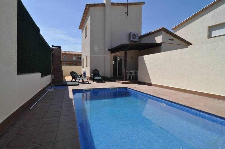 Ideal for your Holidays With Pool - L'Escala - Casa