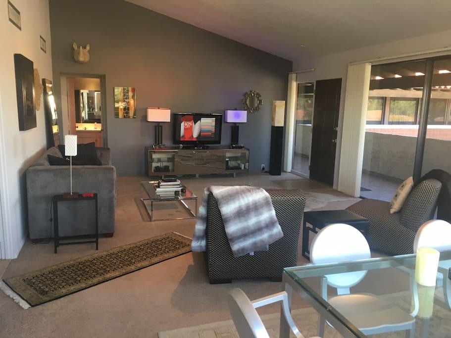 Living area (Daytime)