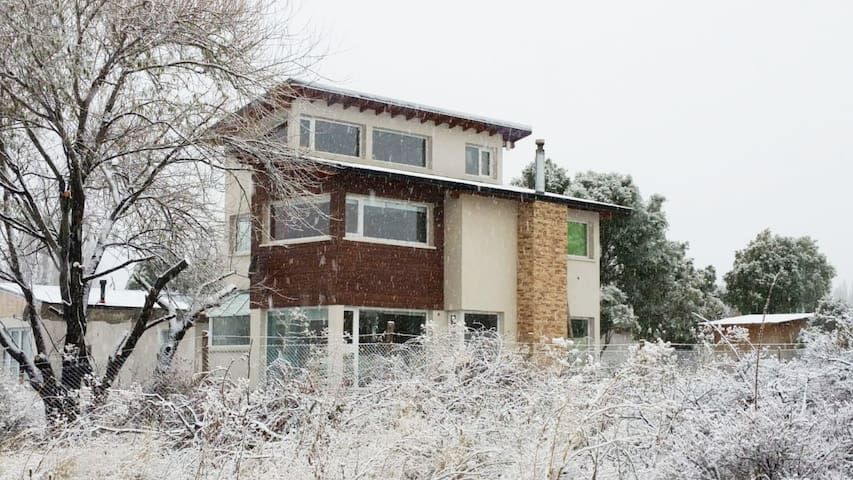 Casa con vistas a los cerros con entorno de campo