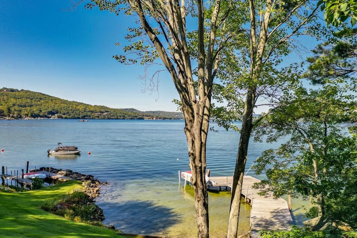 Charming waterfront cottage at Weirs Beach with shared dock and WifI