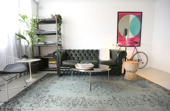 Stylish & Quiet Apartment