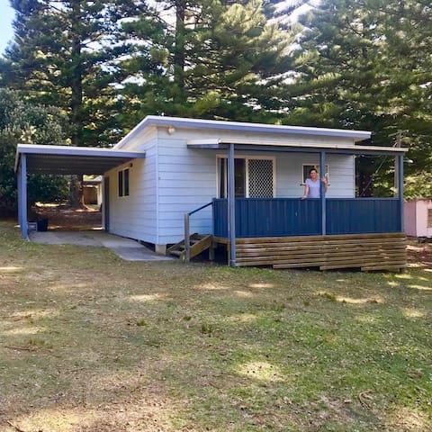 Kioloa Beach Holiday Cabins (Cabin 9)