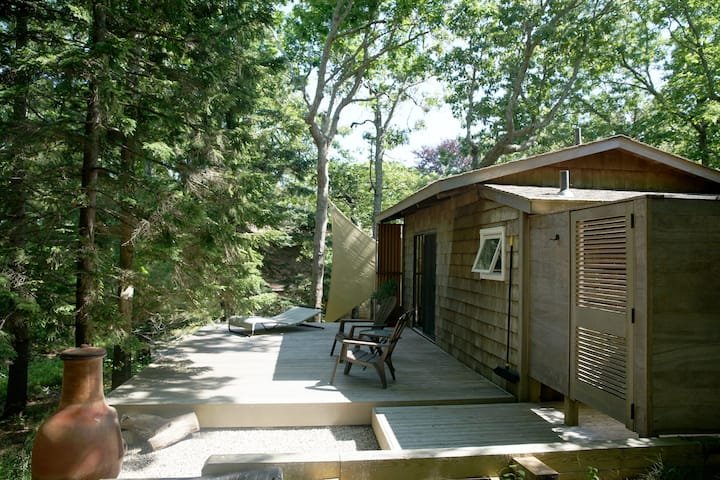 Montauk Tiny Cottage In Private Hither Woods Cabins For Rent In Montauk New York United States