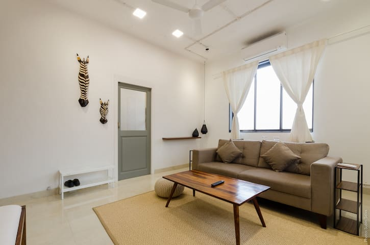 [WELL SANITIZED] Earthy 1BHK with Creature comfort