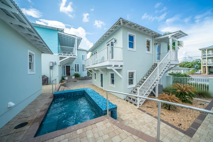 Coastal Beach Bungalow - Beautiful Home Sleeping 4! Private Pool, Partial Gulf View, Free Bike Rentals!