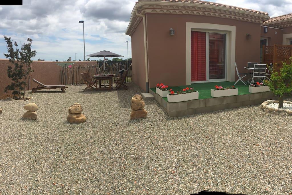 studio avec terrasse barbecue