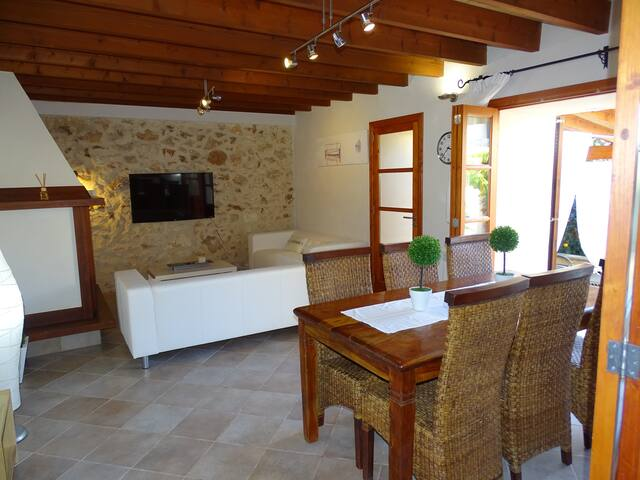 Preciosa  Casa Tramuntana con piscina VT/1829 - Sineu - Tatil evi