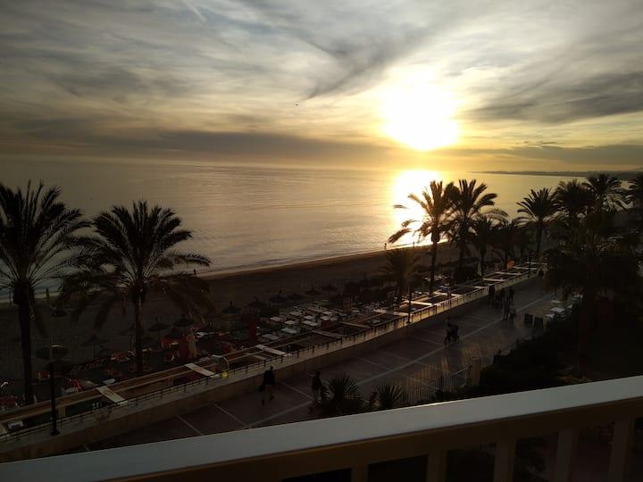 Piso a pie de playa en el centro de Marbella.