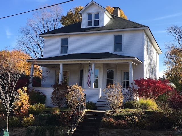 Summer rental: Historic Petoskey in-town  home