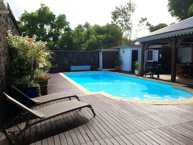 Maison des hôtes : Ch3 , piscine hammam. Classé 4*