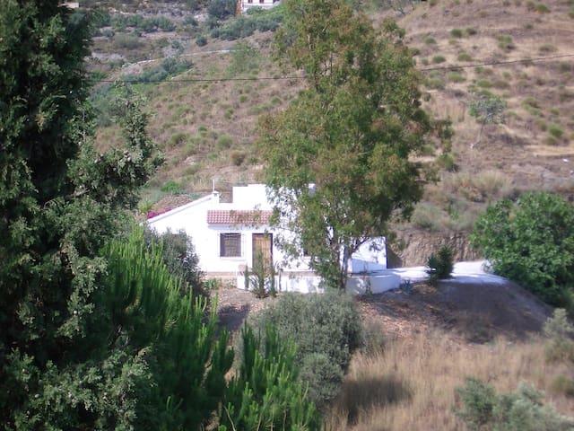 2BD villa w/ pool and country views - Cómpeta - House
