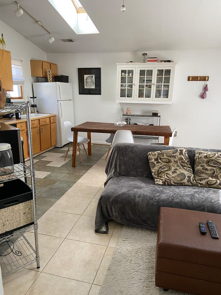 Great Apartment-in the center of Lexington!