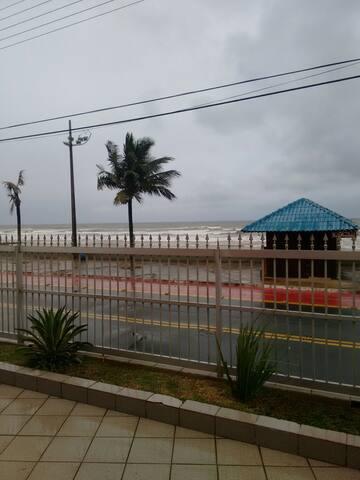 Apartamento Mongaguá - Frente para o mar
