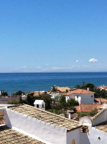Lovely house w/ big pool & 100m to the best Beach! - Marbella - Ev