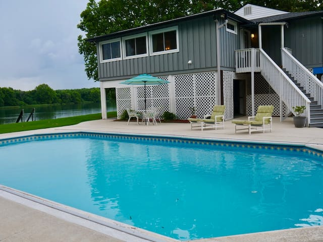 Waterfront Lake Home Vacation Corporate Rental
