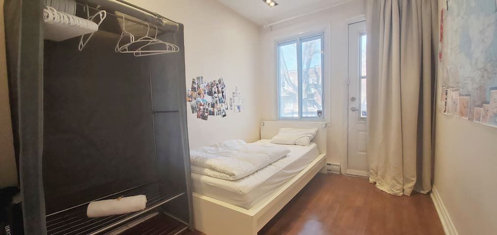 ** Belle chambre avec balcon !**