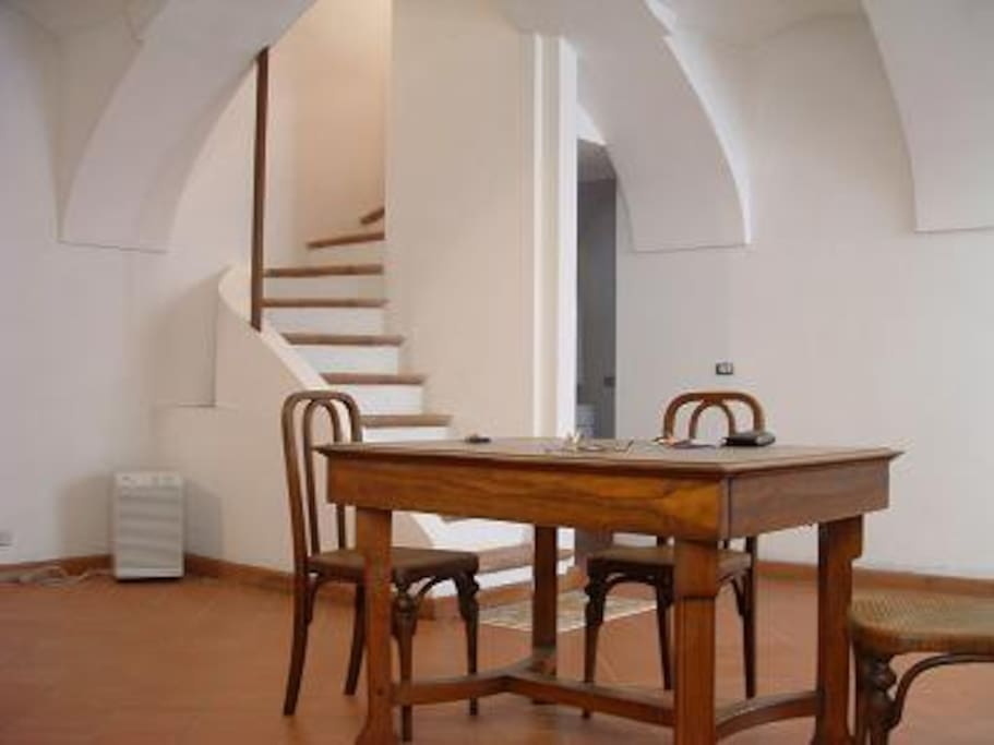 scala interna con accesso alle camere