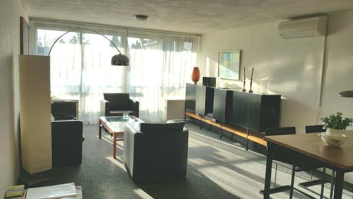 sunny 2 bedroom appartment/balcony