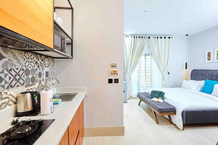 Casa Apt. by Pomona. Sauvage Suite with Kitchen