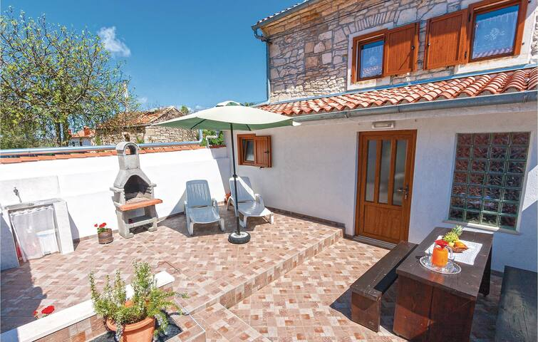 Semi-Detached with 2 bedrooms on 59m² in Rakalj
