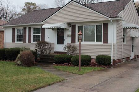 Home Available for Rent during RNC, near downtown - Cleveland - House