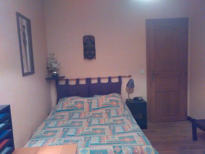 CH2 - Chambre lit double dans maison