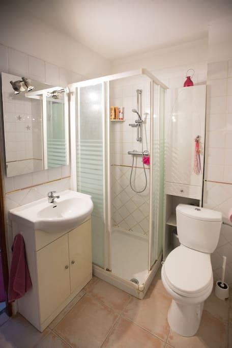 Une des 3 salles de bain privatives