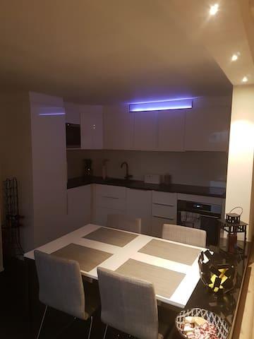 Lägenhet i lugnt villaområde!